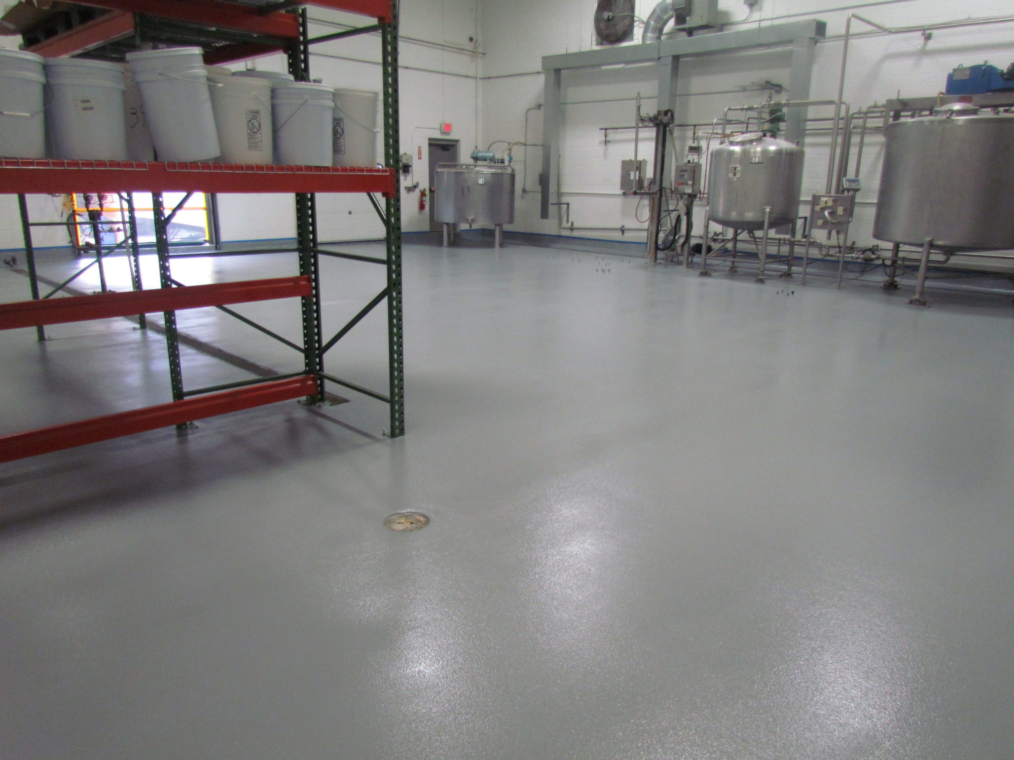 Seamless epoxy flooring for food and beverage manufacturing in CT